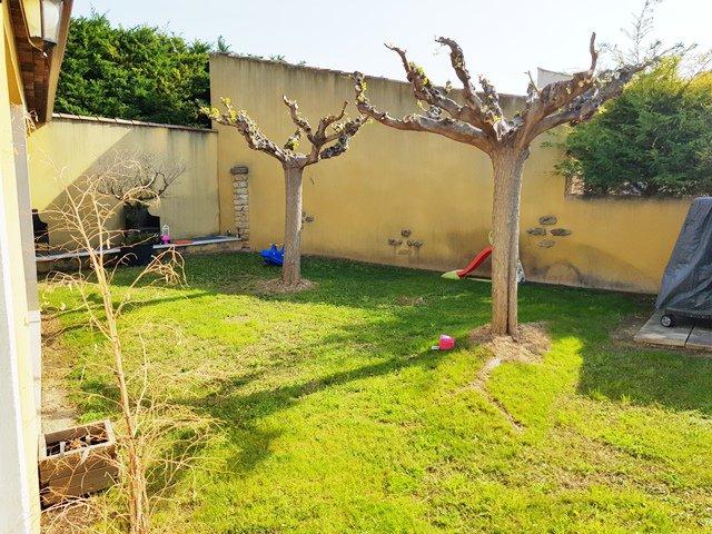 Lamanon villa T5 jardin
