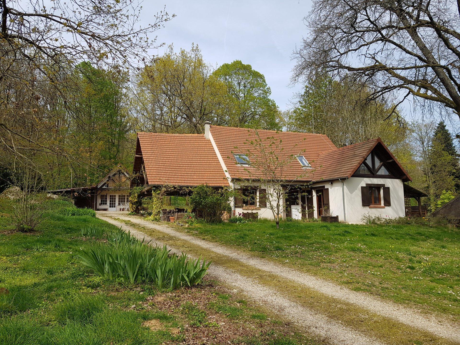 Montigny sur Loing : maison 7 pièces et dépendance 203 m2