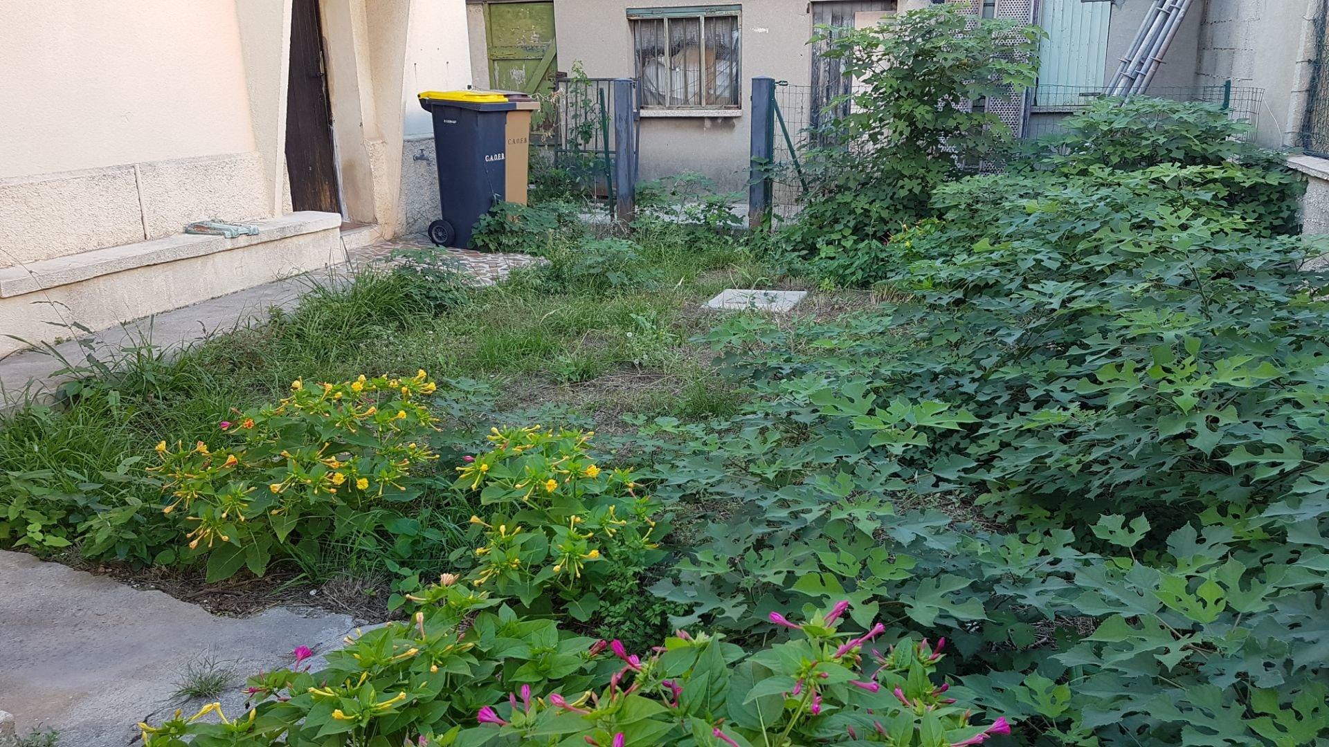Bas de villa 3 pièces 70 m² hab + abris de jardin