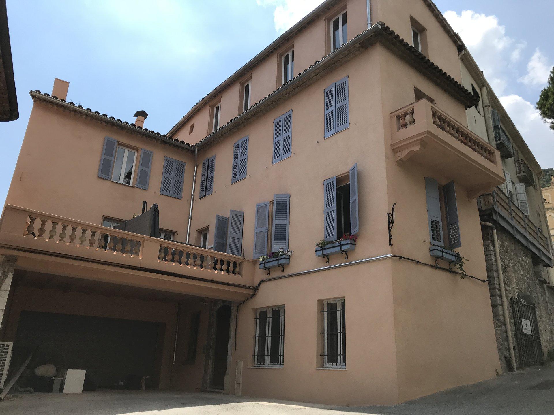 Beau 3 pièces neuf triple exposition 2 terrasses avec vue