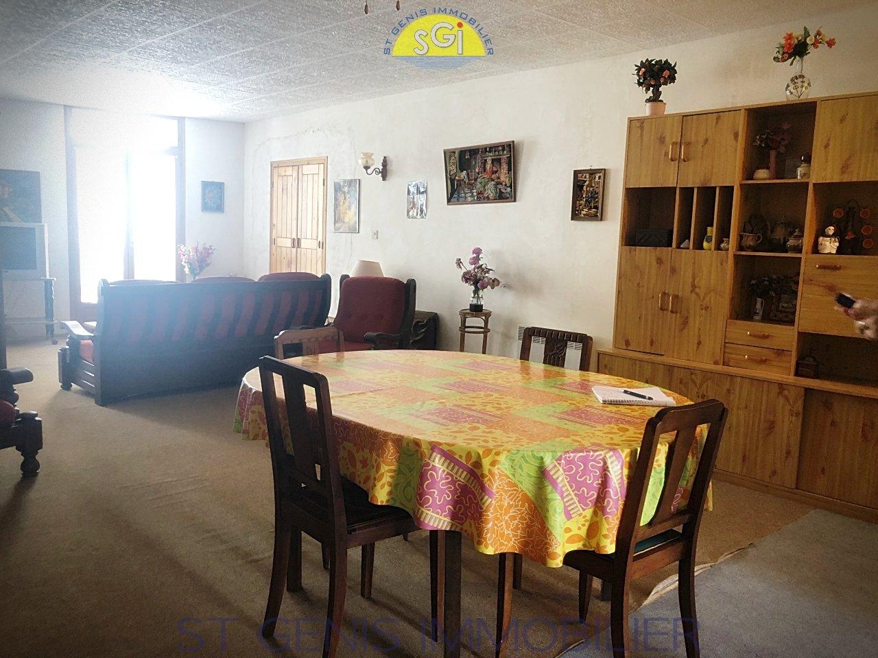 Maison de village 2 faces en Pierre