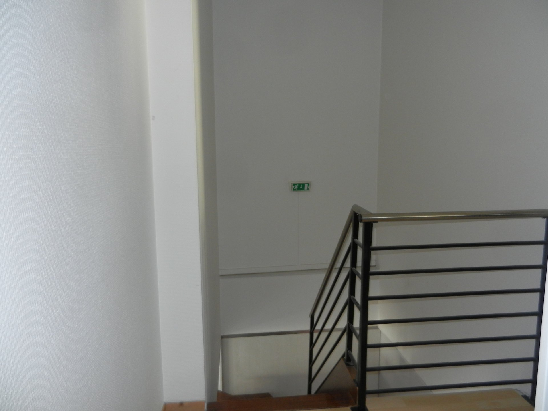 LOCAL RDC + ETAGE 116 m² - vitrine - Coeur de la ville