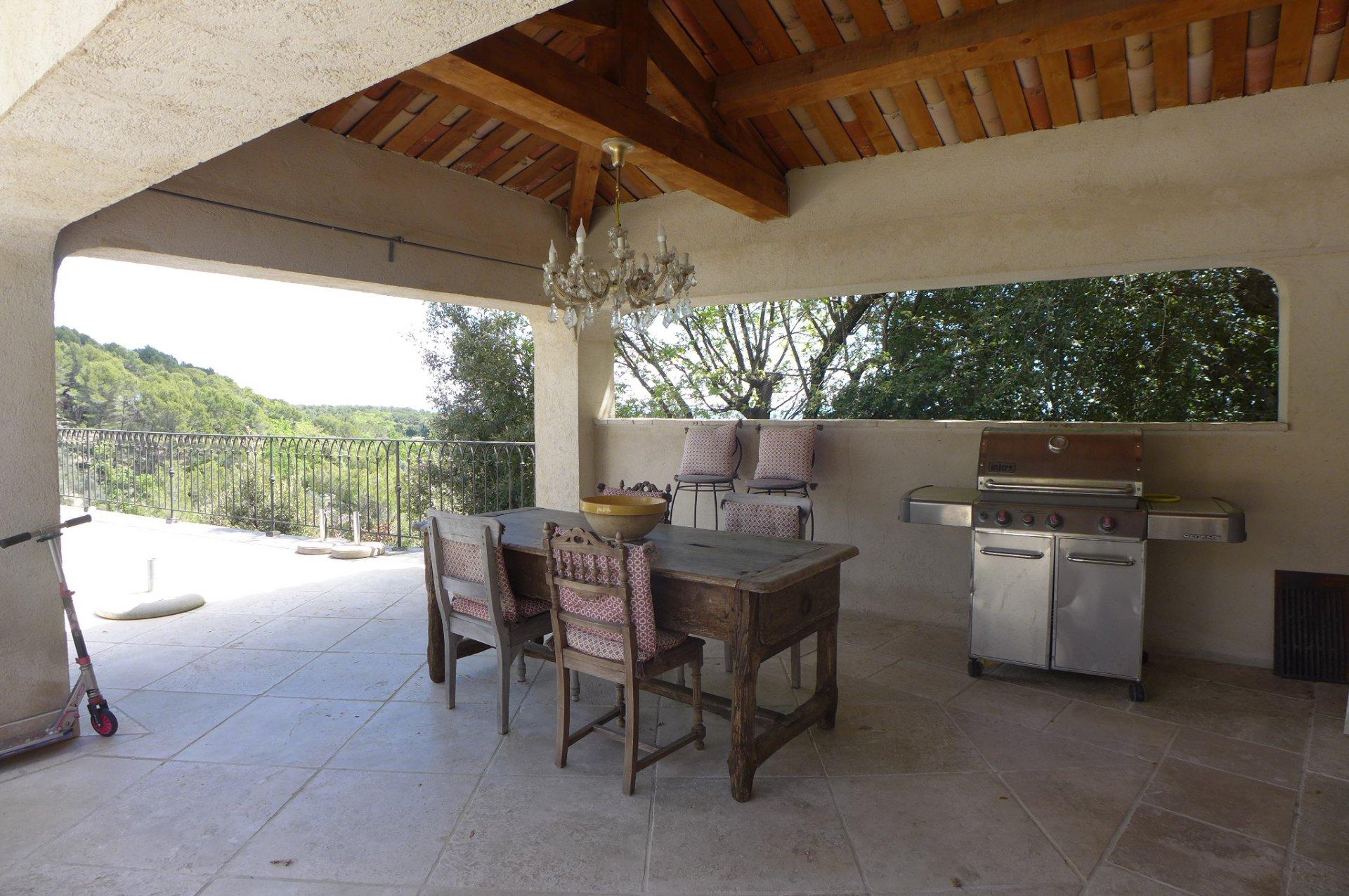 Cabris : Villa moderne avec vues imprenables !