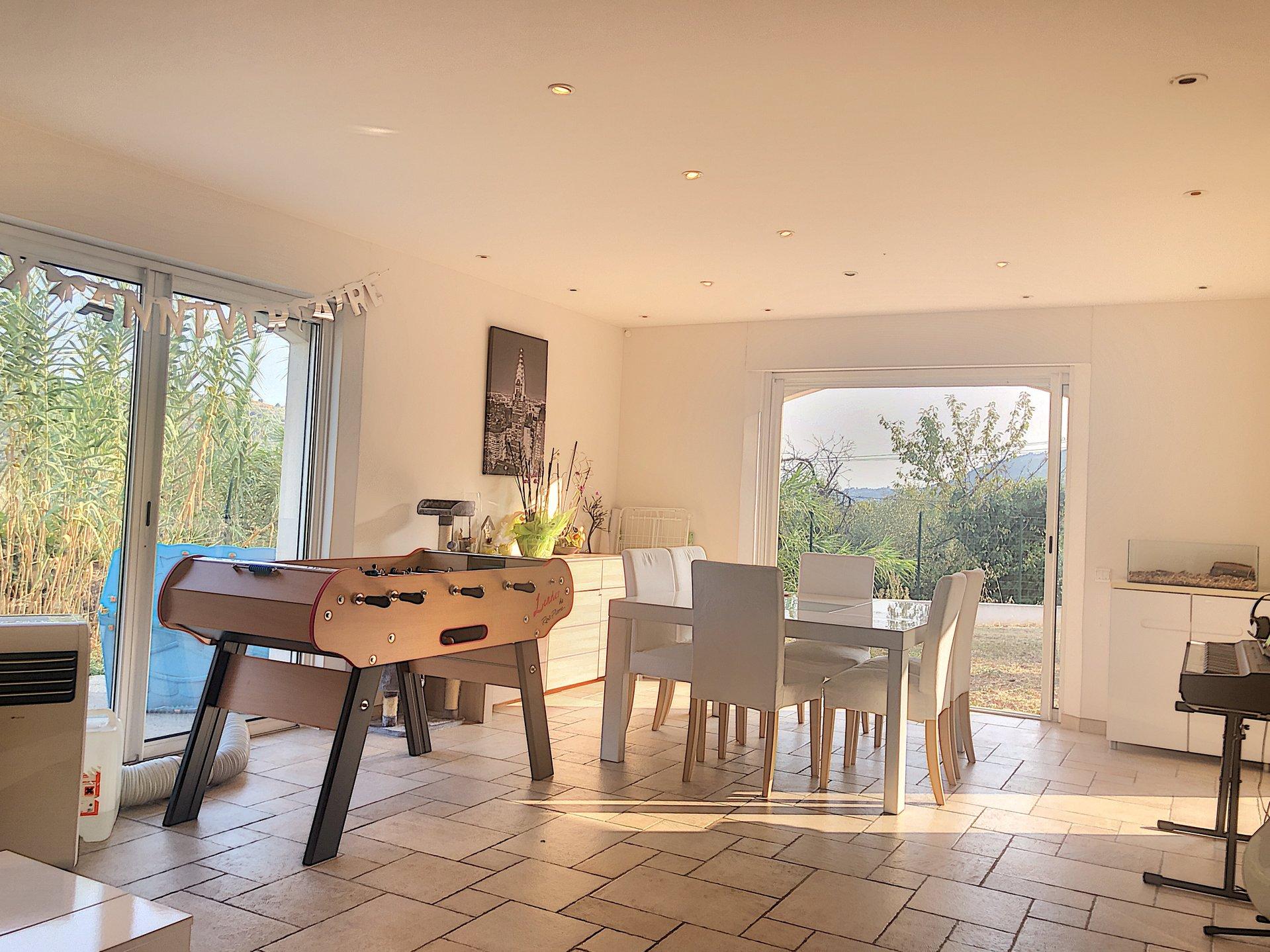 GATTIERES Les plans ( 06510 ) Maison individuelle 5 pièces de 160m² + 53m² aménageable. Garage. Terrain de 2013m²