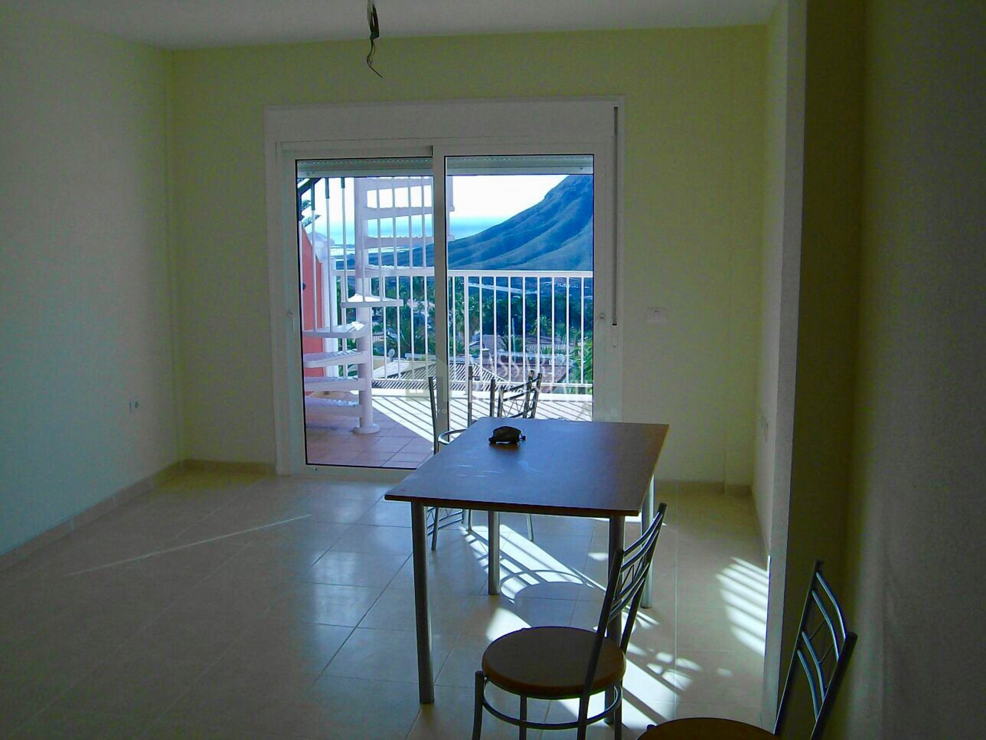 For sale in Chayofa (Arona), bright attic of 52 m2.