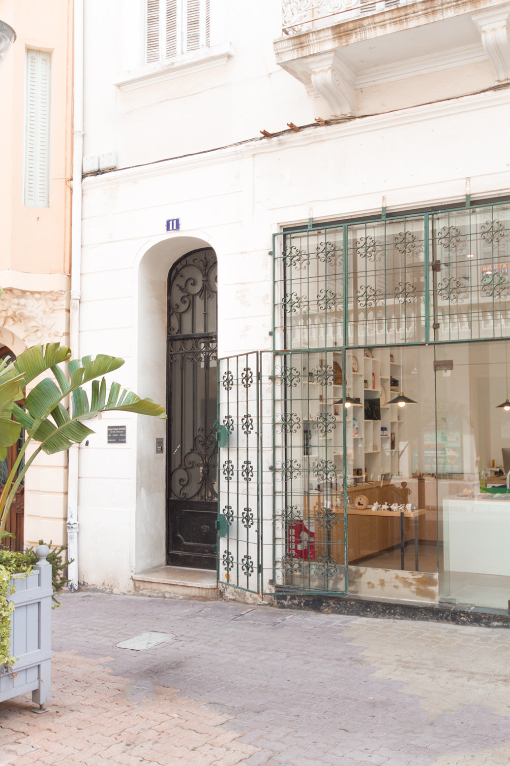 HYERES IMMEUBLE PARKING 1 872 000 € FAI