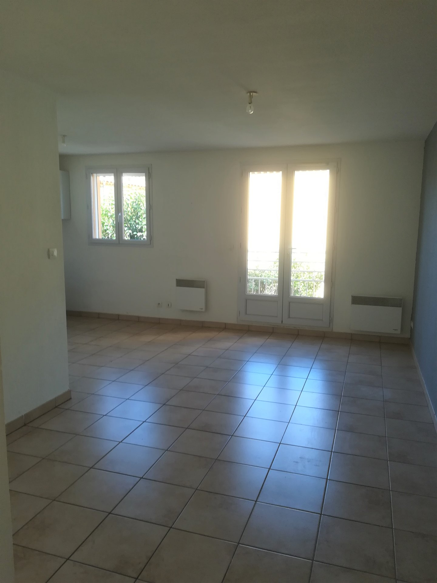 Sénas appartement T2 avec balcon