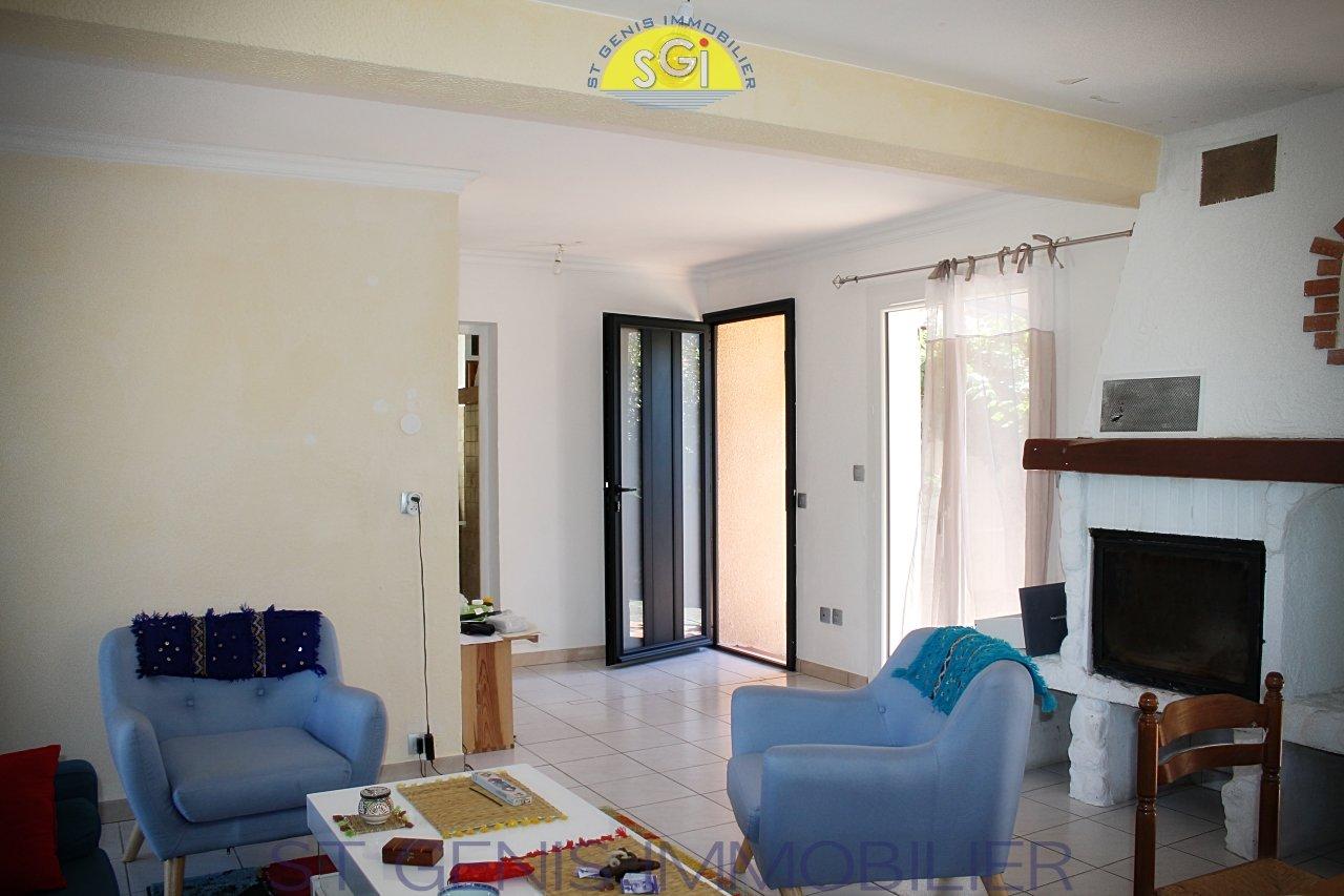 Villa 3 faces sur 437 m2 à Saint-génis-des-Fontaines