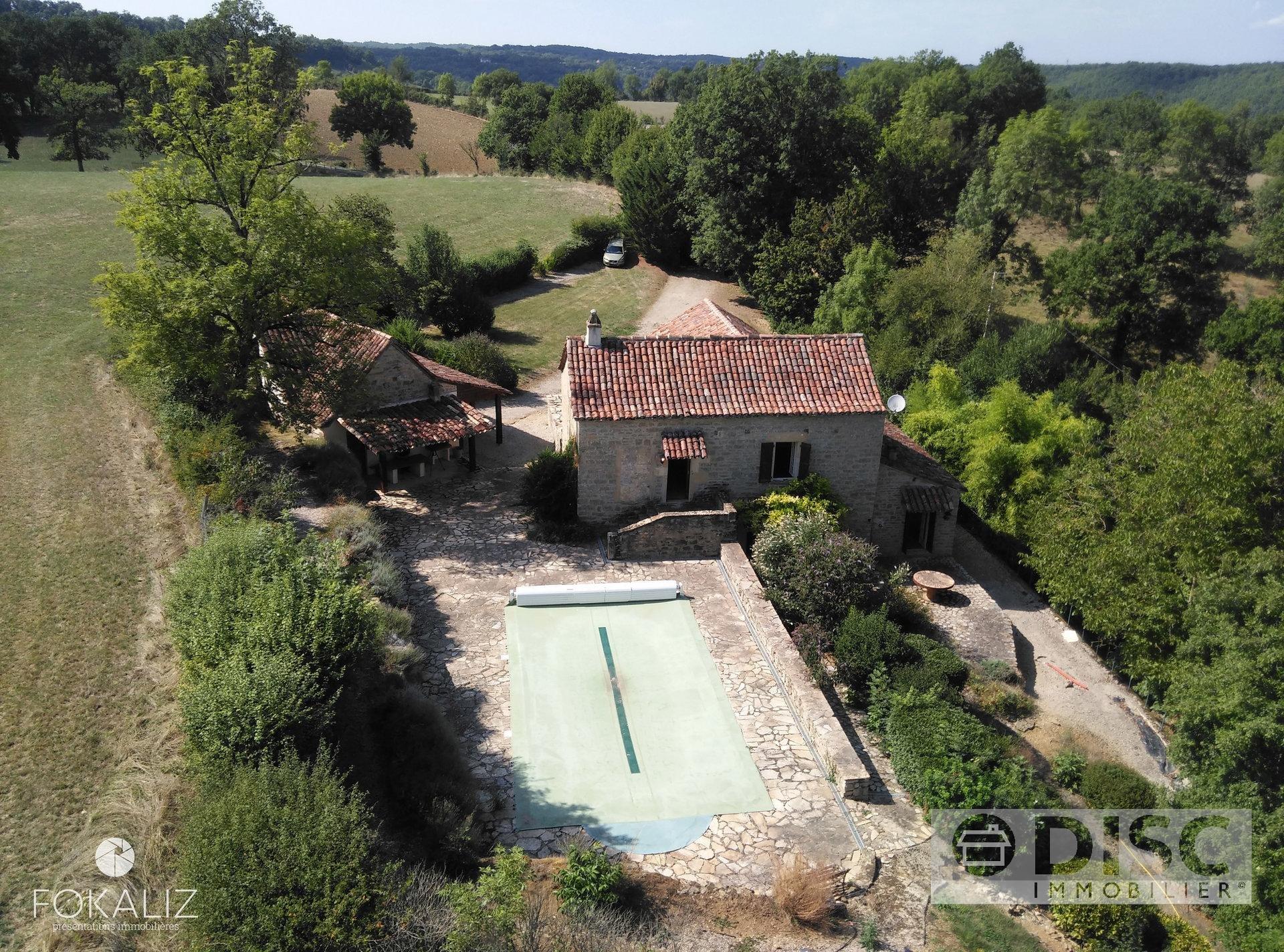 Natuurstenen  huis met zwembad en dubbele garage: buitenkansje!!!!