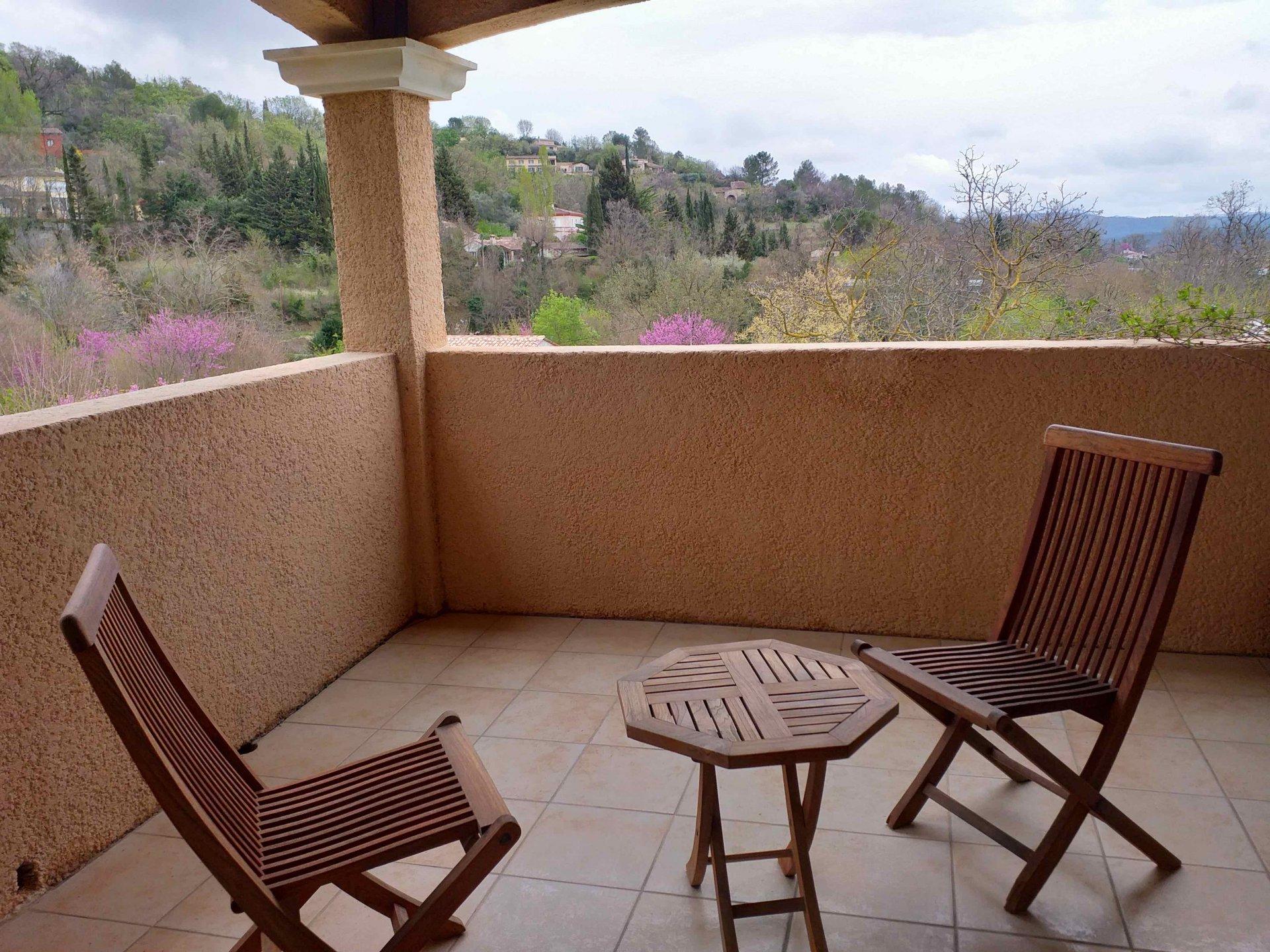 Villa avec vue à Callian