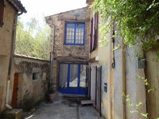 Maison de village beaucoup de charme 2 chambres jardin Correns
