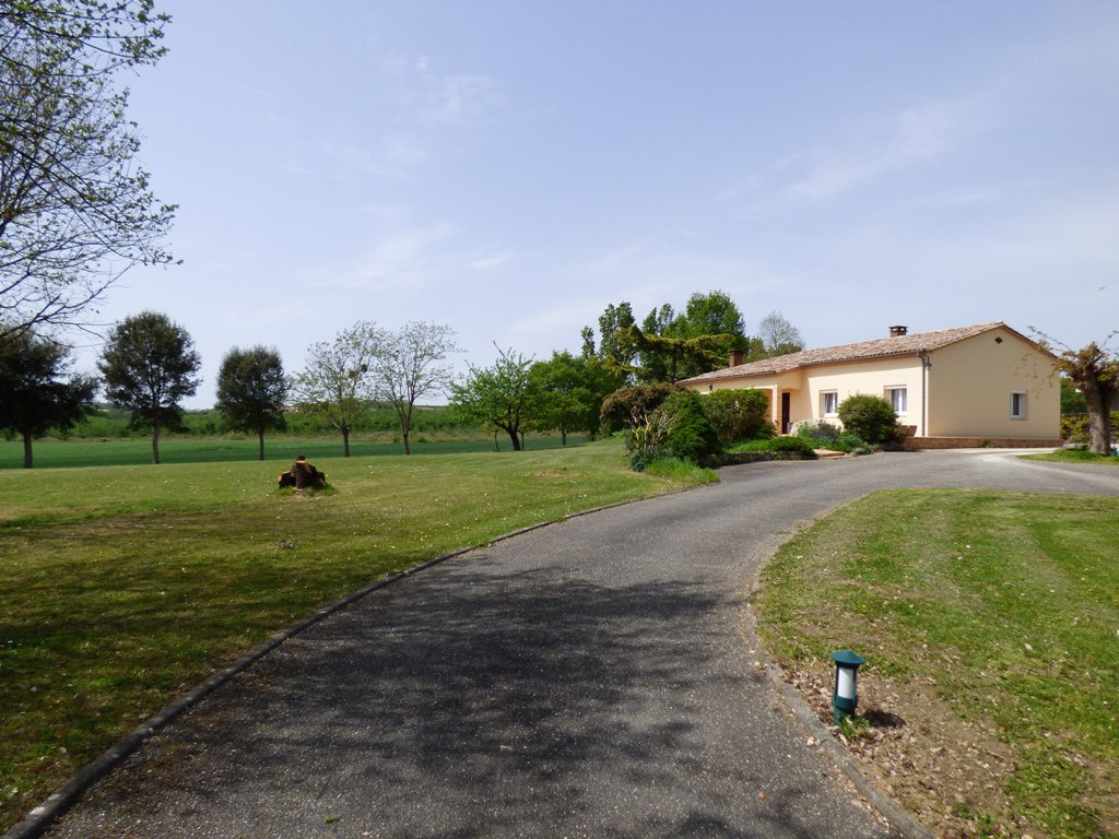 Sale Villa - Duras