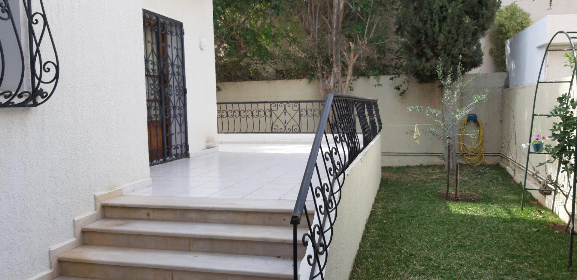 A vendre une villa aux jardins de Carthage