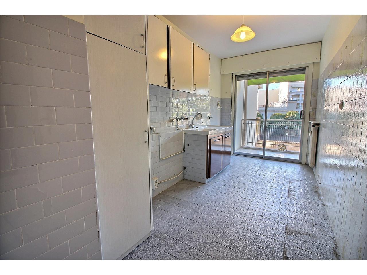 2 pièces de 53 m², garage et cave (Gabres)