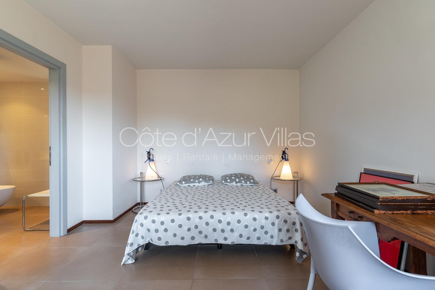 Valbonne - Villa d'exception au calme absolu