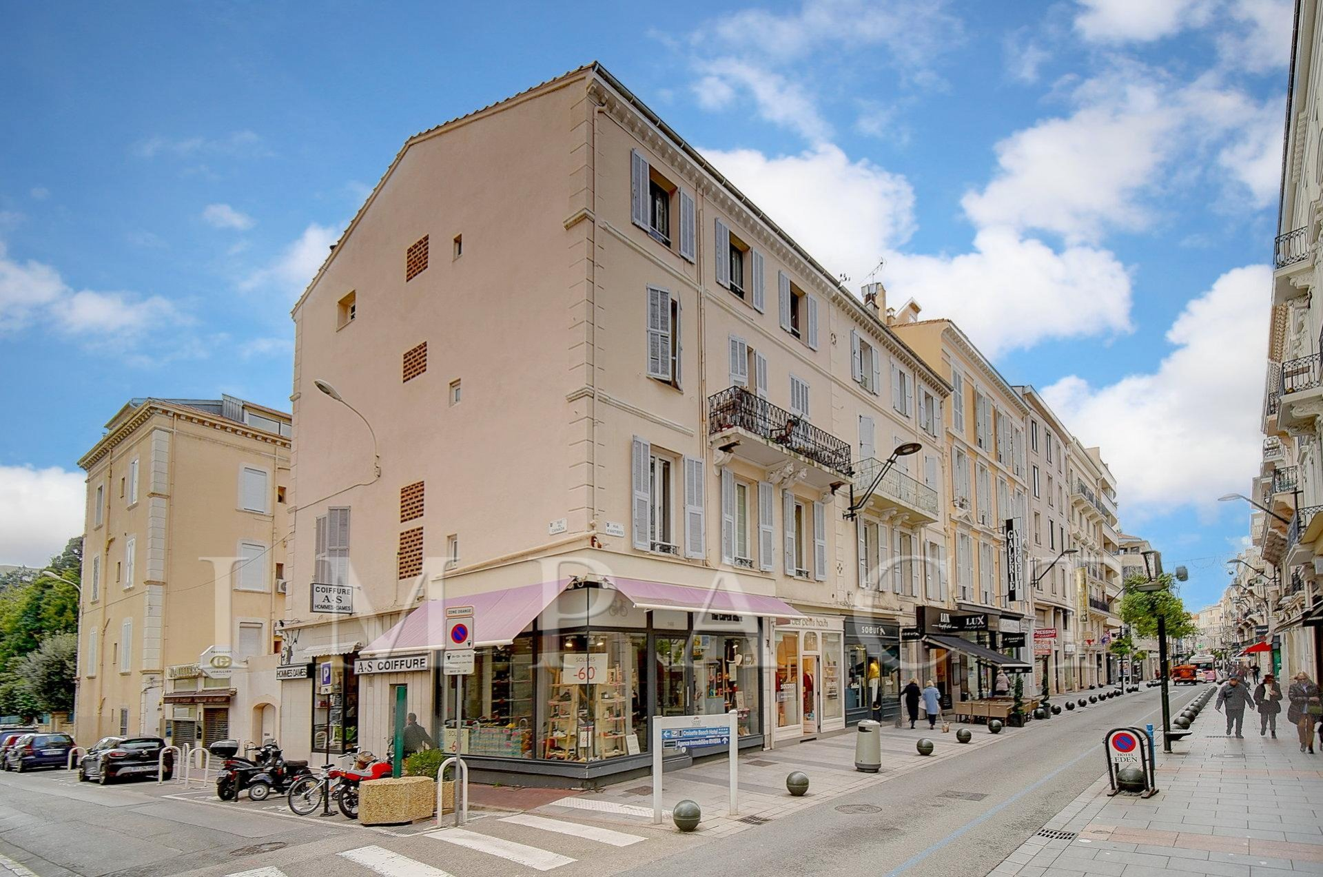 Beautiful 2 bedroom apartment to rent in  city center of Cannes