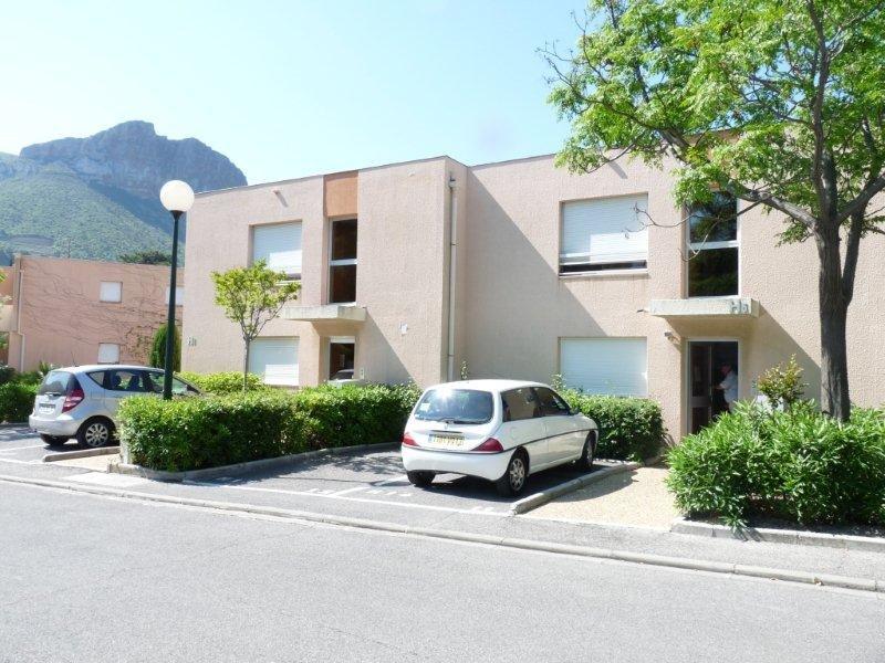 Grand Appartement typa 1, 32.50m², terrasse, parking privatif