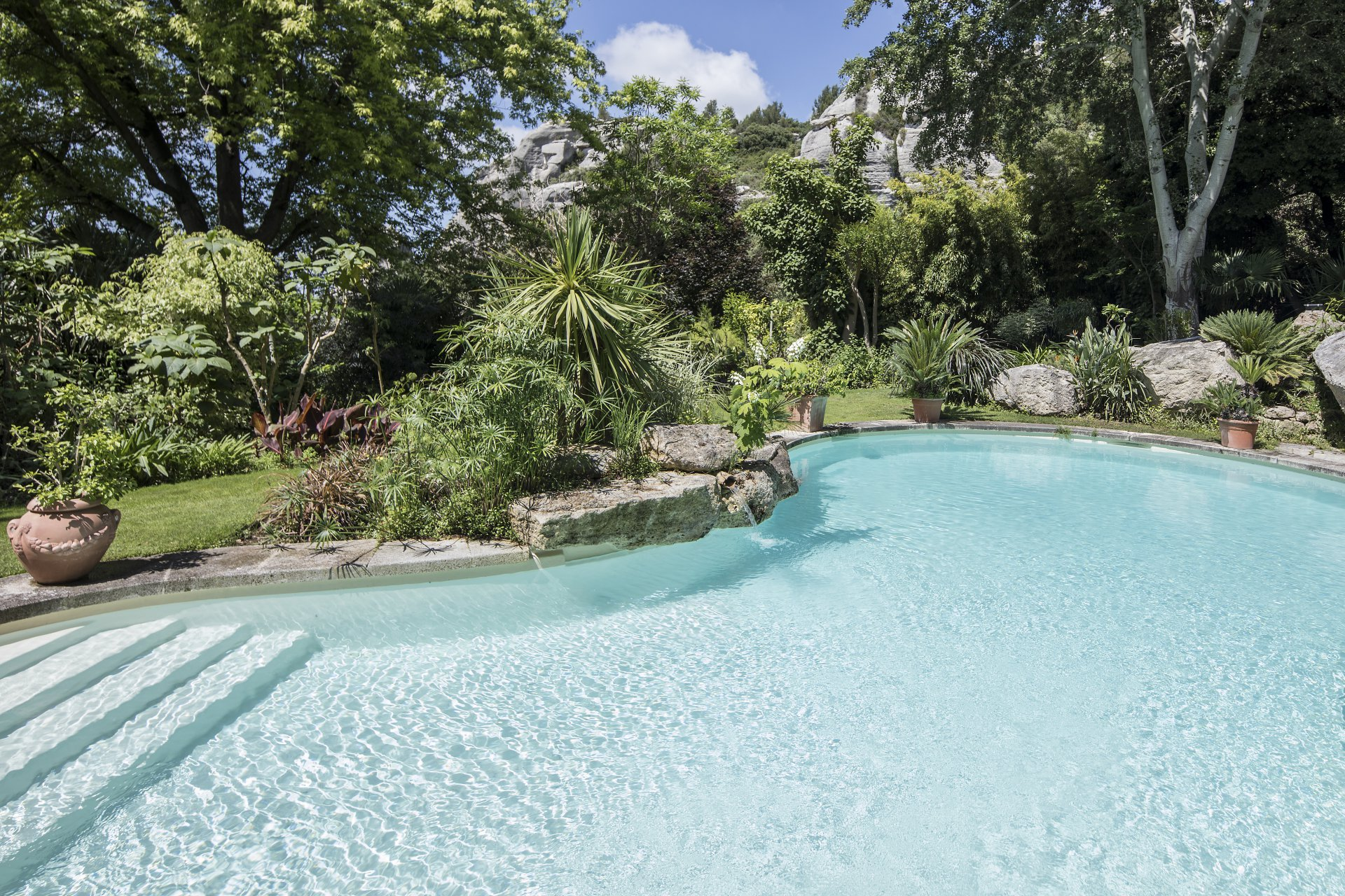 FOR SALE LES BAUX- CHARMING PROPERTY  WITH  VIEW