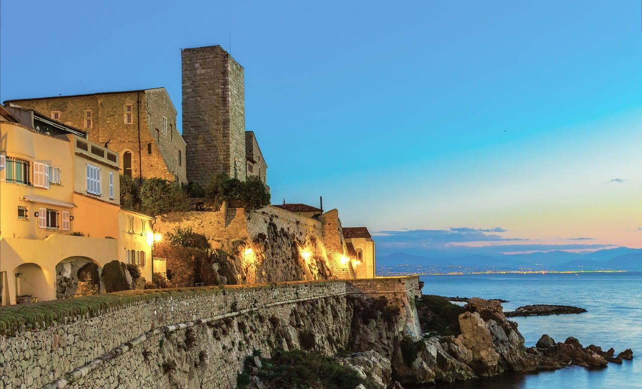 Cap d'Antibes - Wonderful property in closed residence