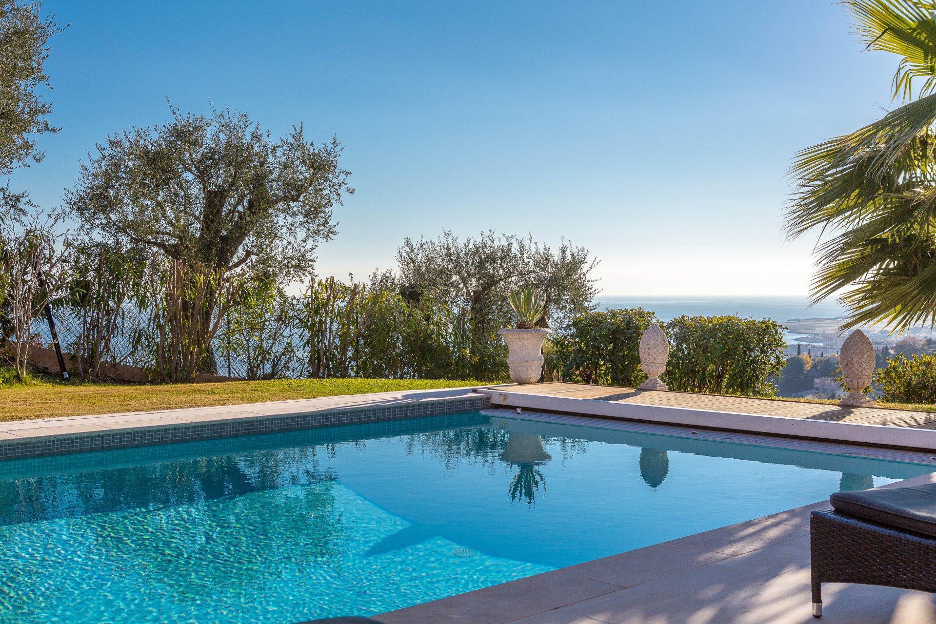 NICE - Magnan - Belle villa 5 chambres avec vue mer - piscine chauffée