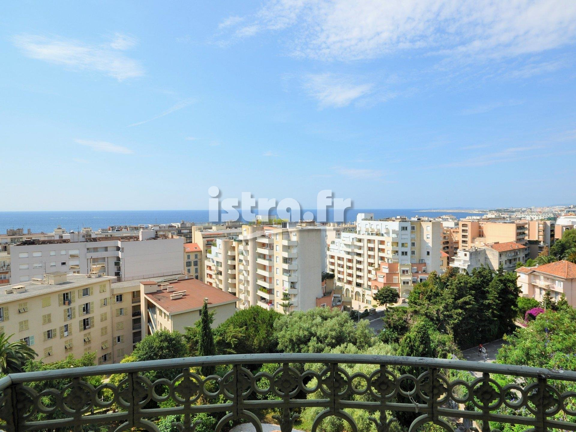 Nice Baumettes hill, 3 bedroom apartment for sale