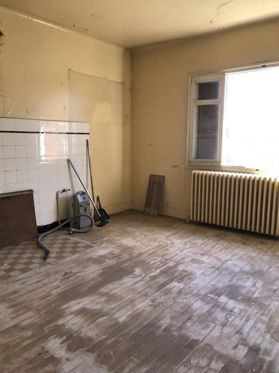 Maison ancienne à rénover sur 324 m2 Terrain