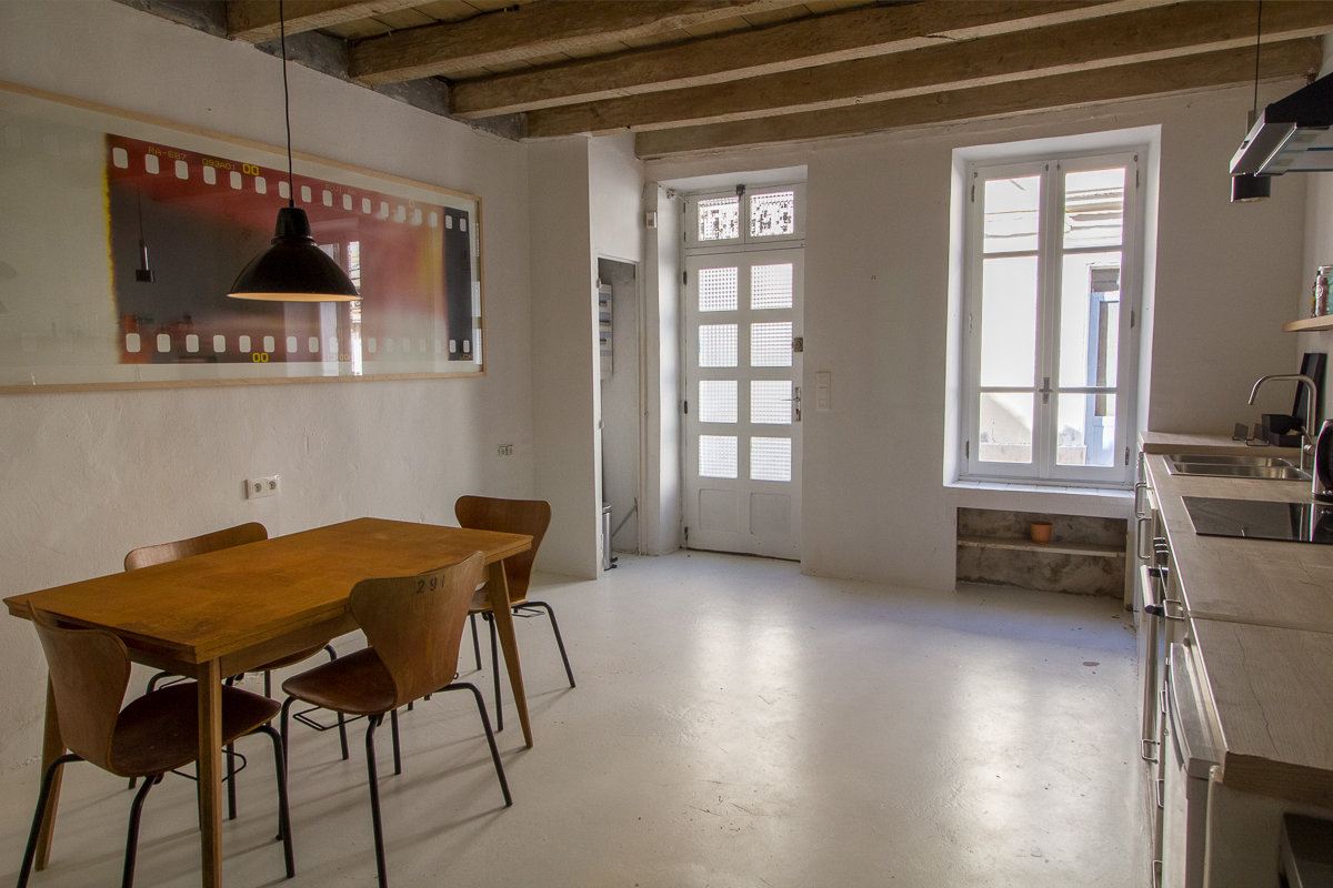 REFURBISHED  TOWNHOUSE 80 M² ARLES