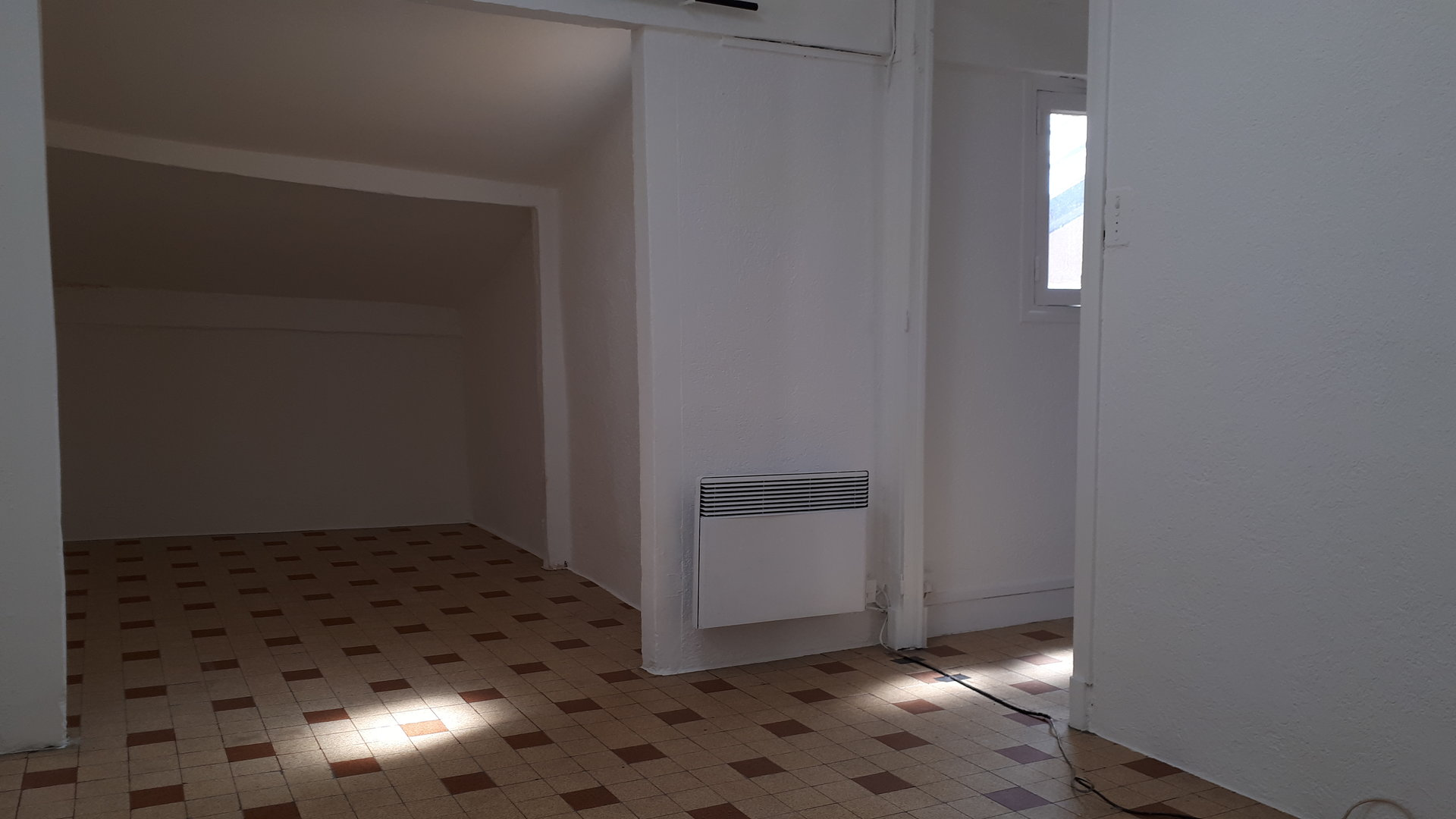 location Nice, studio 20.30 m² secteur Vieux Nice