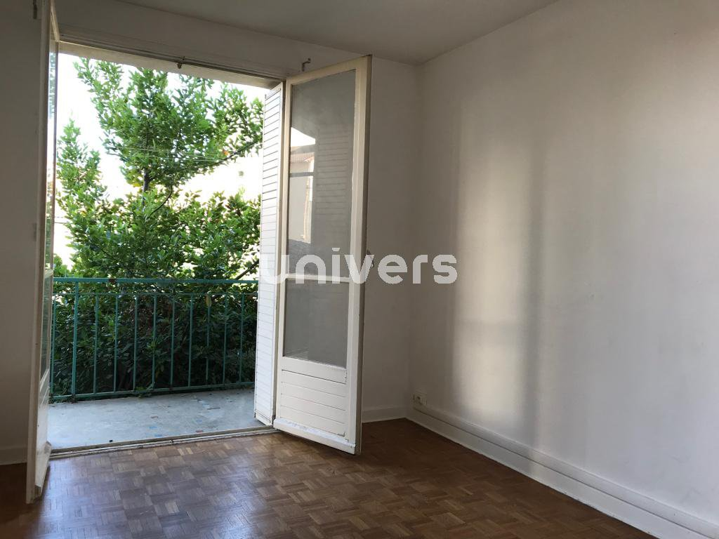 Appartement 70 m2, balcon, garage