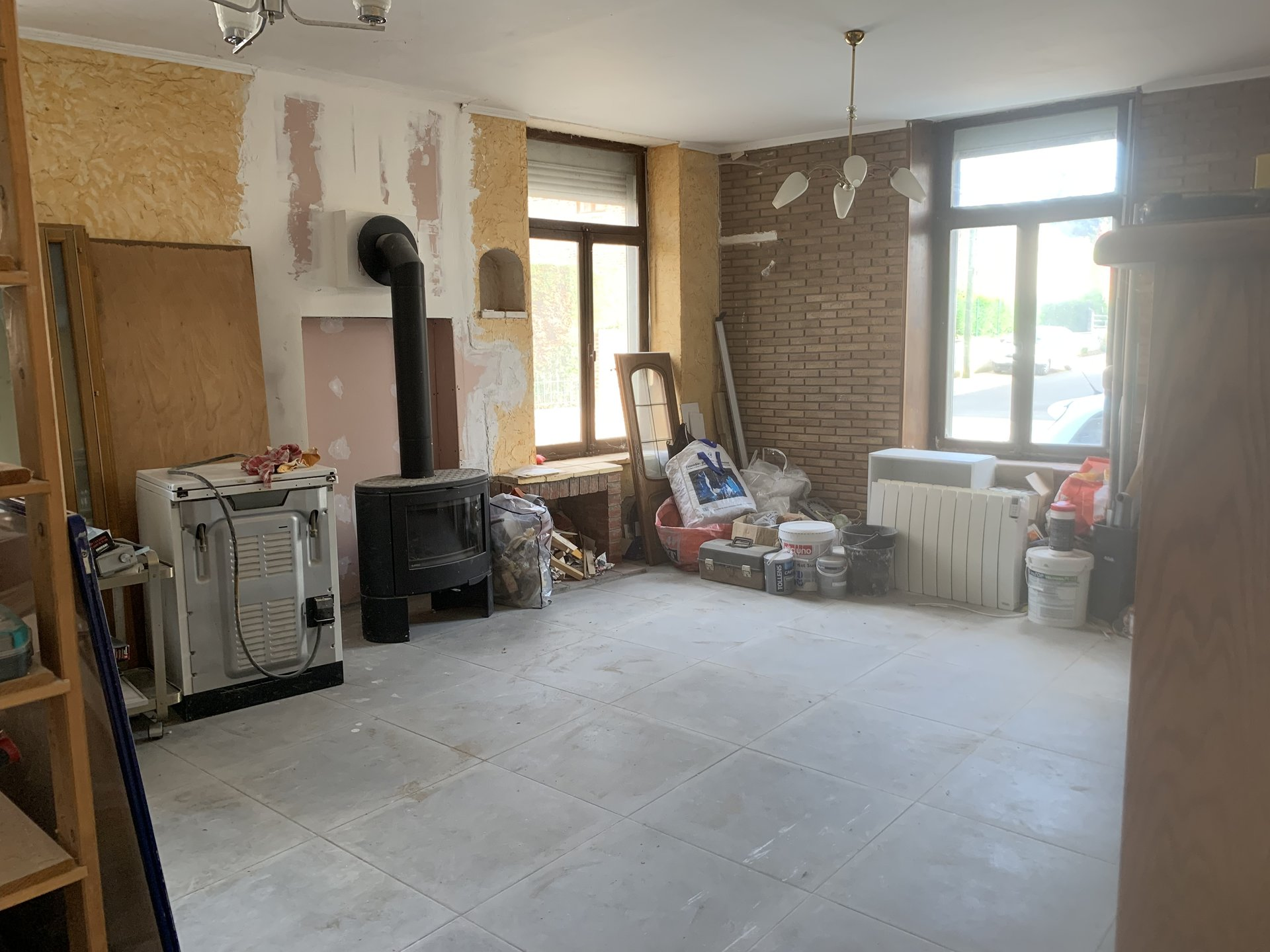 Maison semi individuelle à rénover !