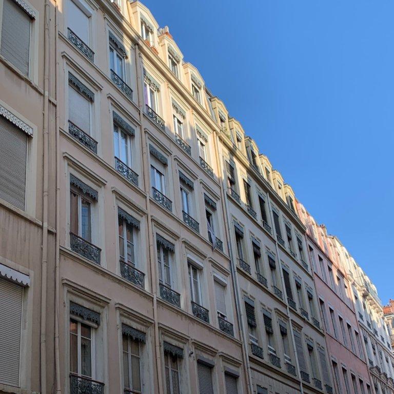 BROTTEAUX / MASSENA - T1 bis de 31,42 m2 en étage élevé