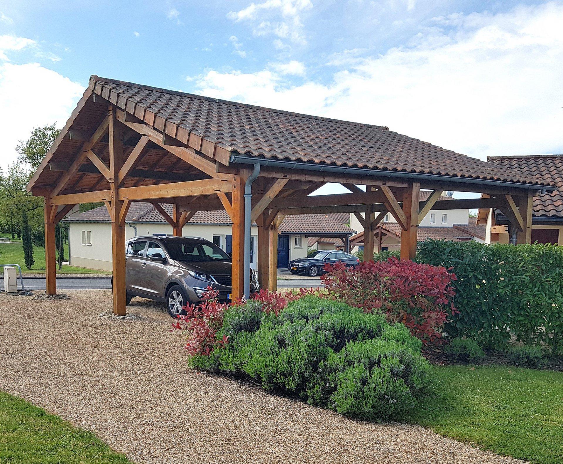 Deux-Sevres, golf Les Forges: maison recente avec terrasses
