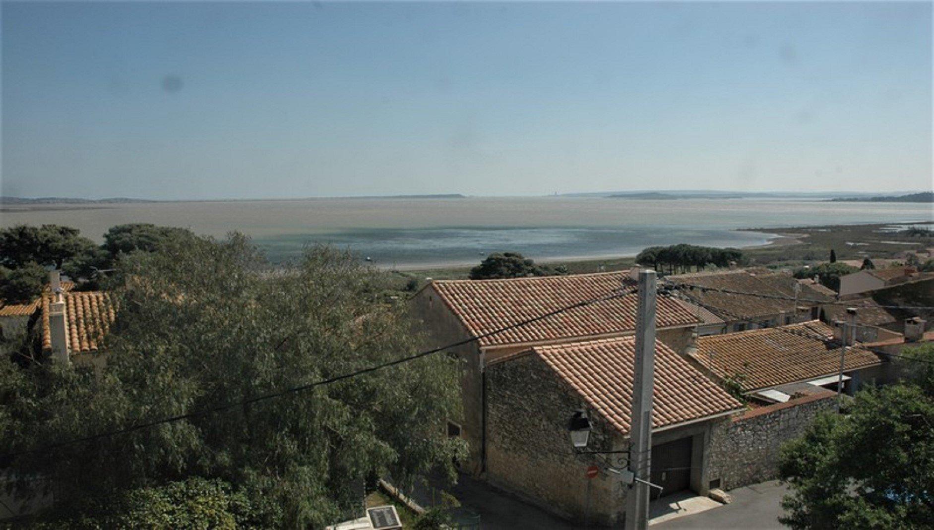 Fantastiskt herrskapshus med utsikt över innsjön Bages