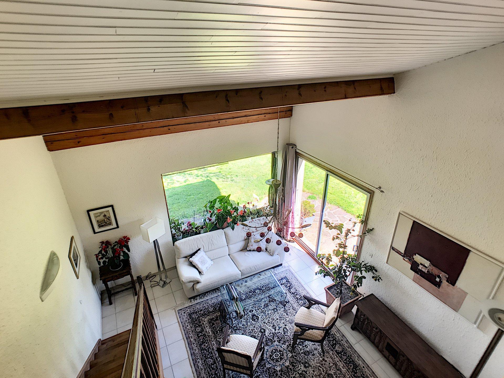 Maison GENILAC 230 m² ! Idéal grande famille