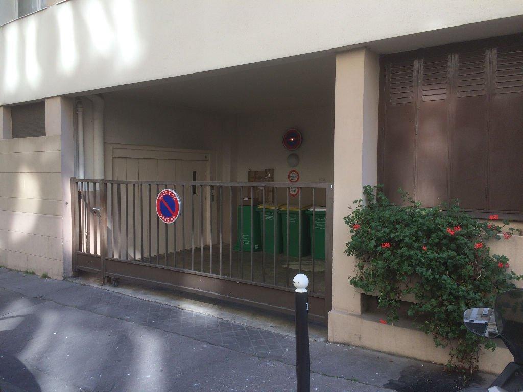 Parking / box Paris 10 m2
