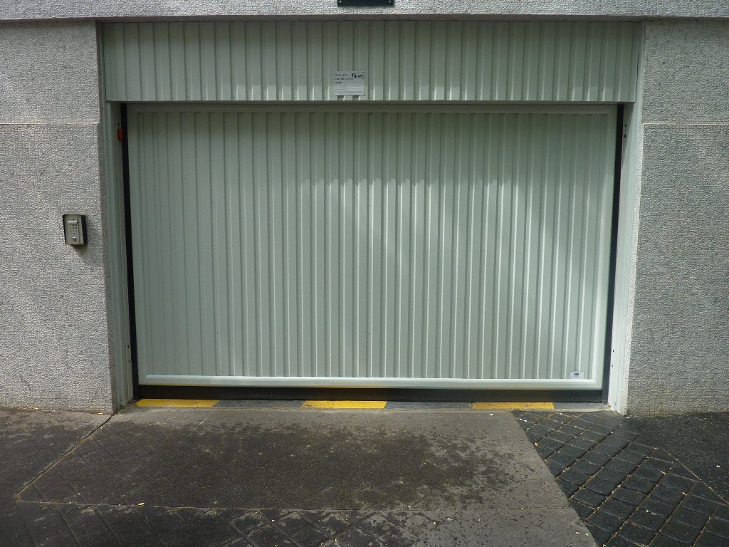 Emplacement de Parking - 12M2 - Paris 15e