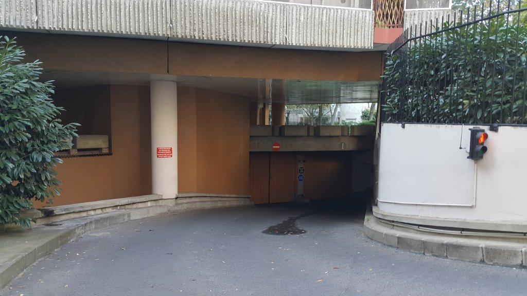 Parking / box