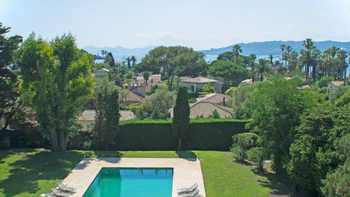 Cap d'Antibes - Charming  provençal style villa in the calm area