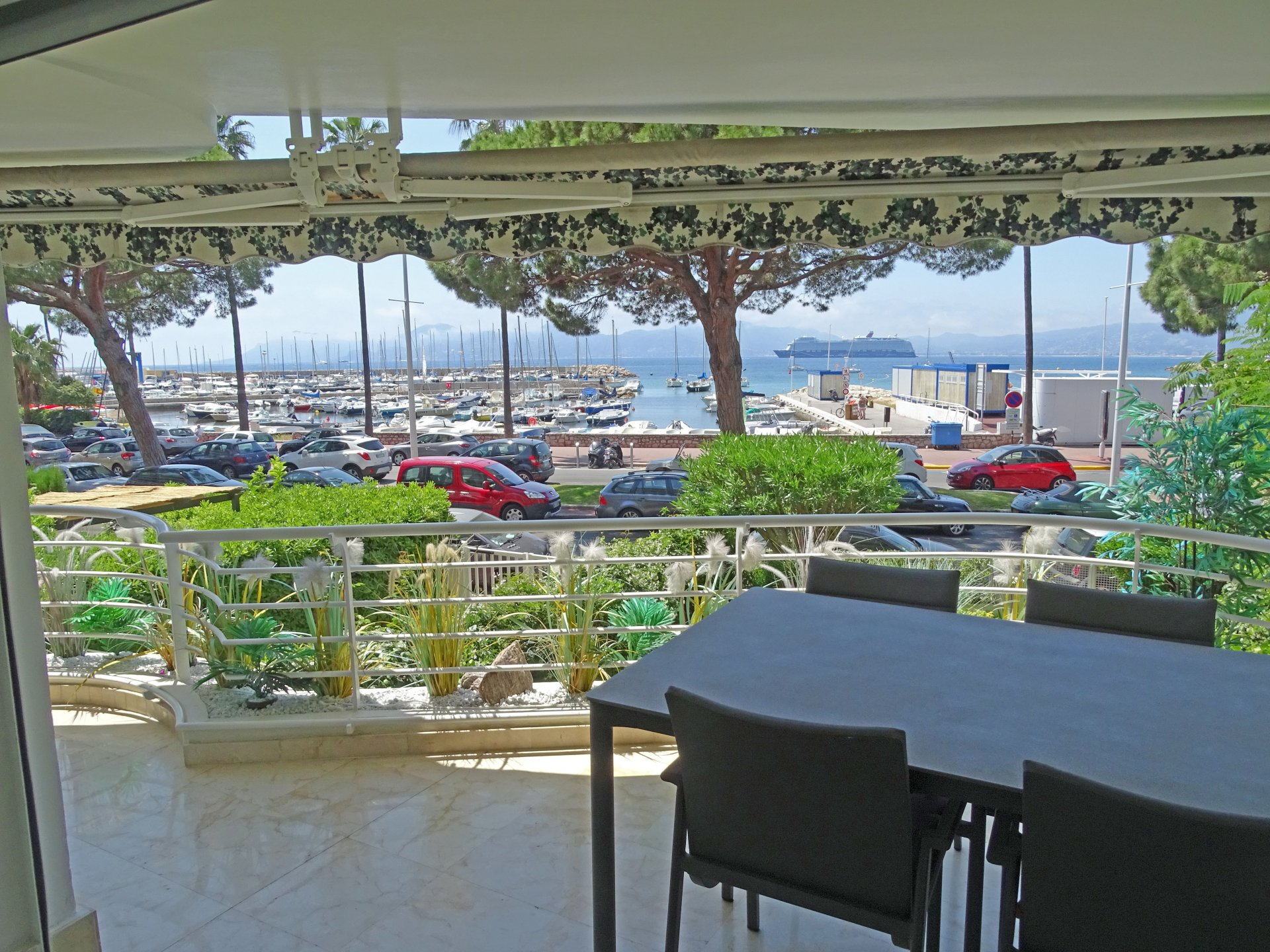 Cannes Croisette sea view