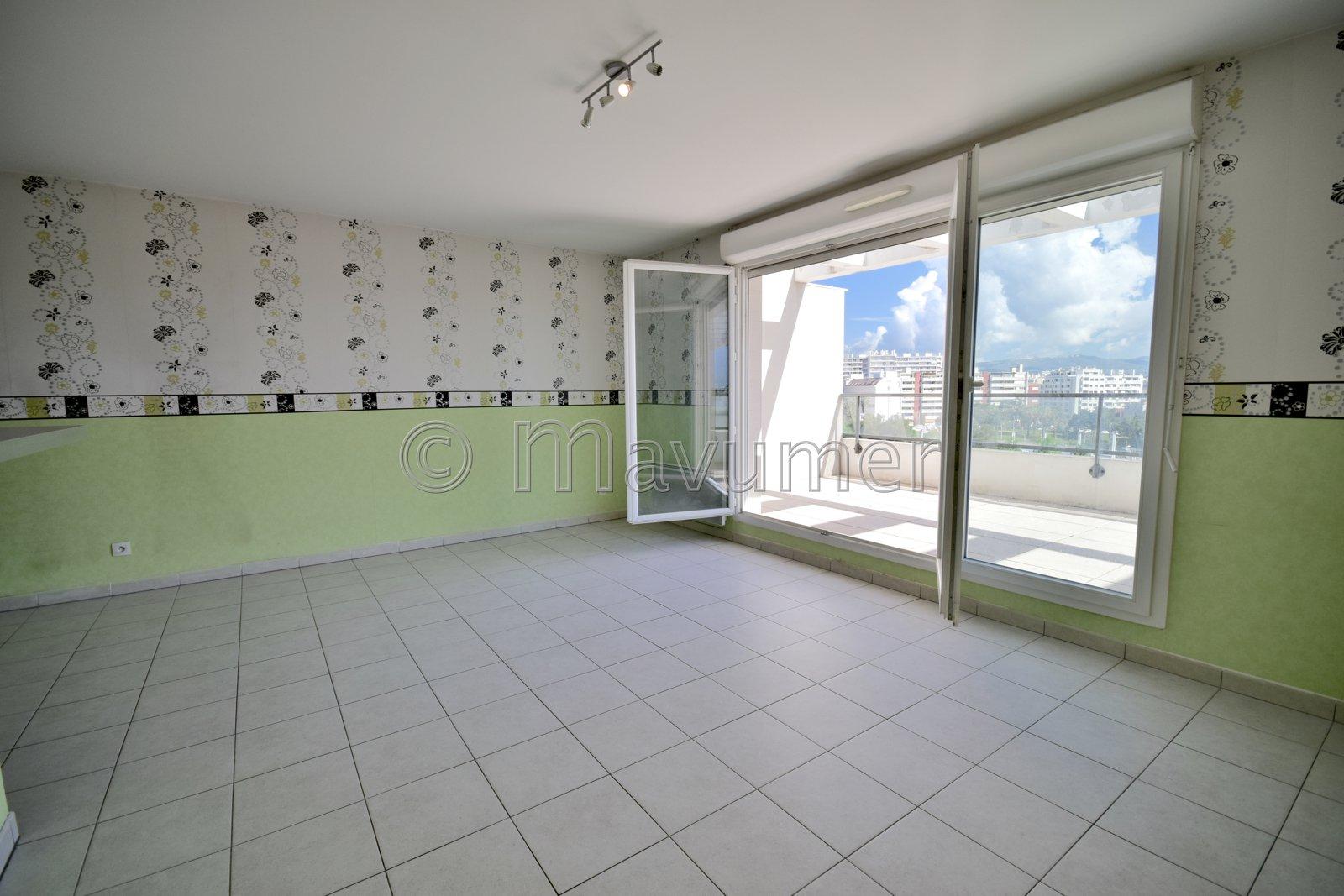 Cantini- T3 en étage élevé terrasse et vue panoramique