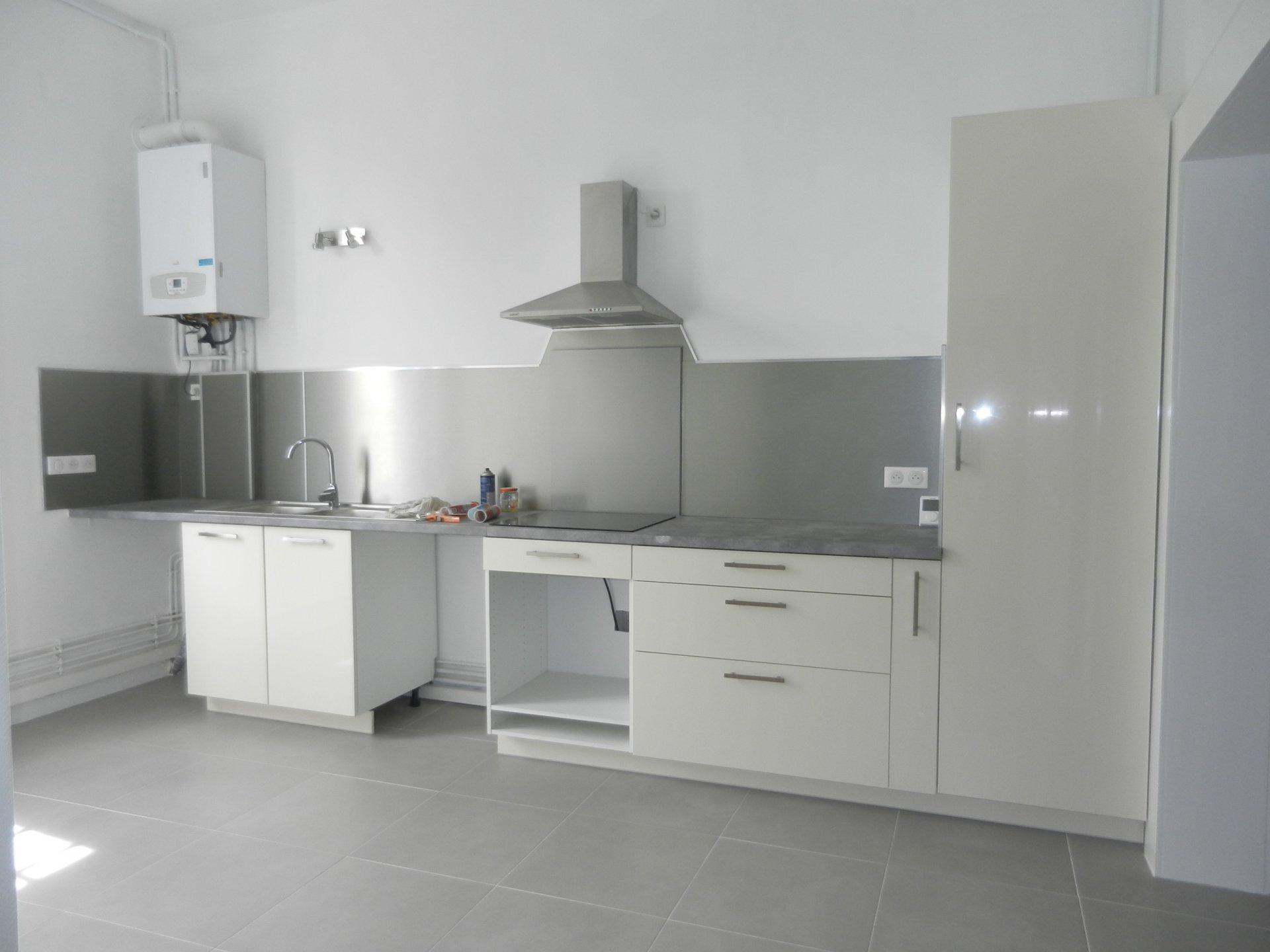 APPARTEMENT PLAIN-PIED T3 de 94 m² refait NEUF