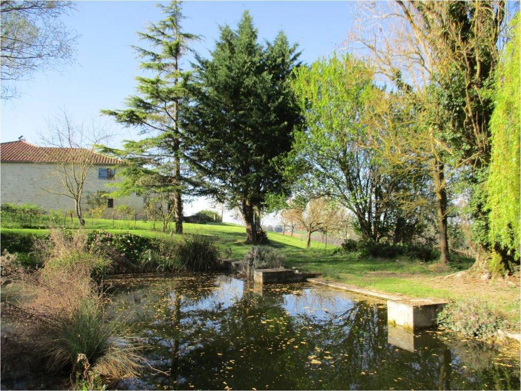 LOT-ET-GARONNE - Platteland, mooie boerderij met gite en zwembad