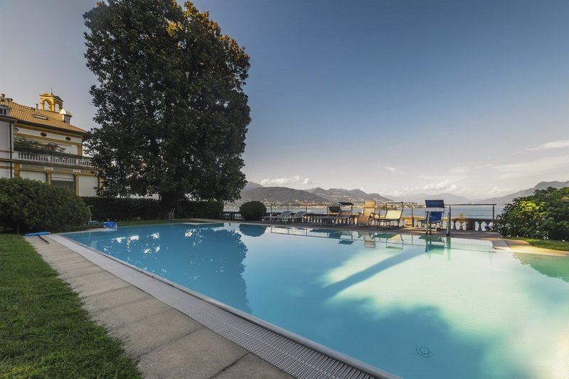 Apartment for sale in historic villa in Baveno - swimming pool