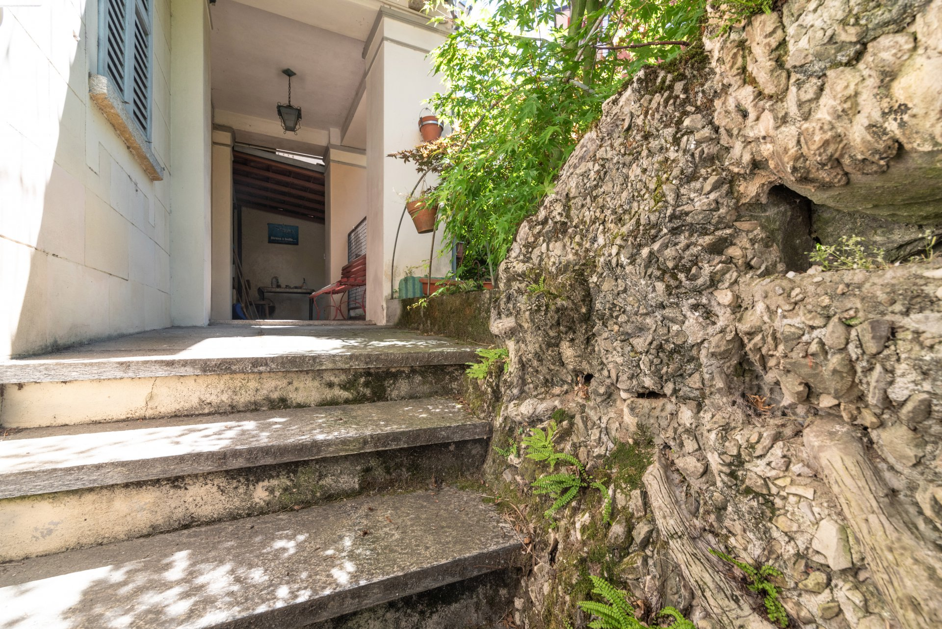 Property for sale in the centre of Stresa- flight of steps