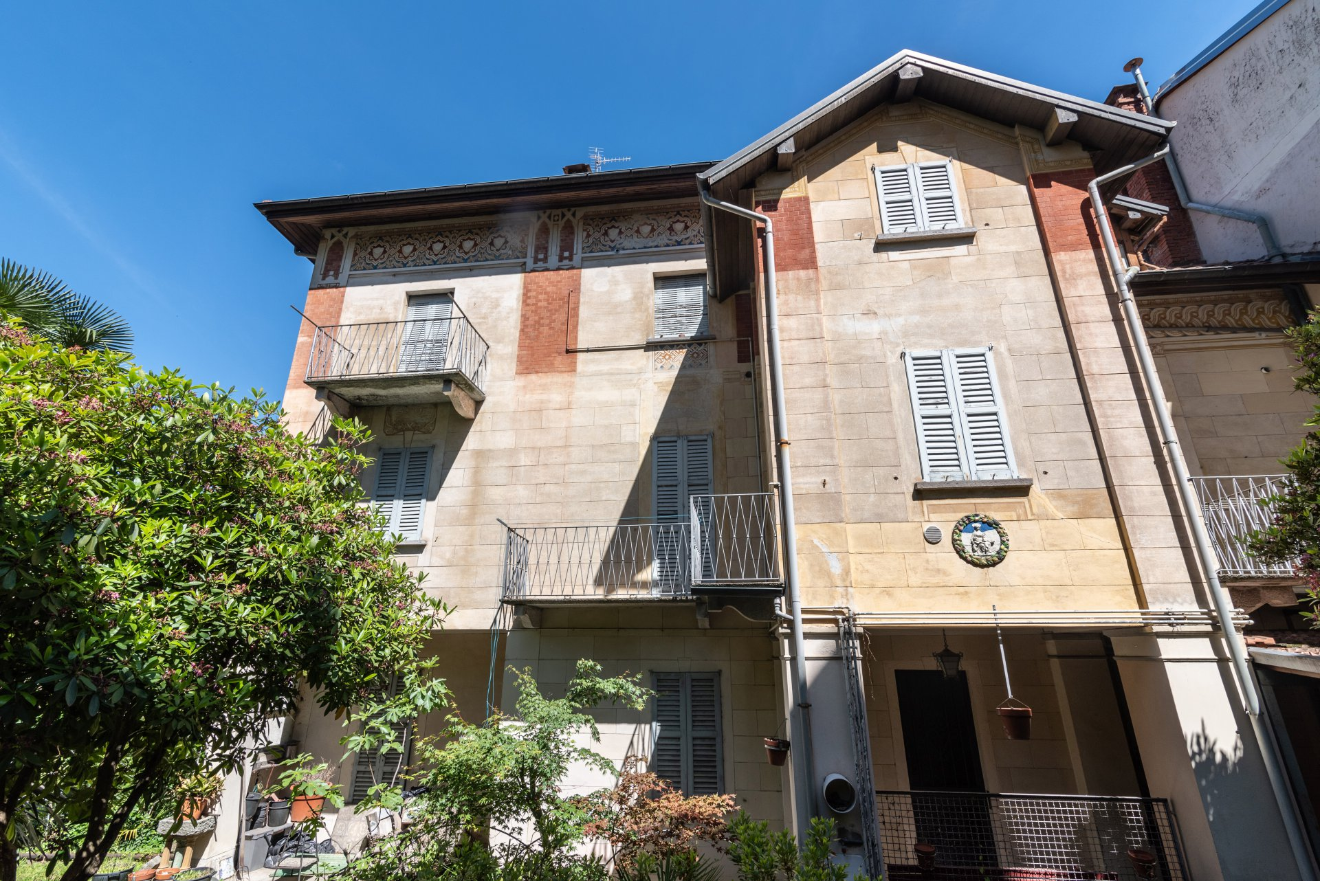 Property for sale in the centre of Stresa- facade
