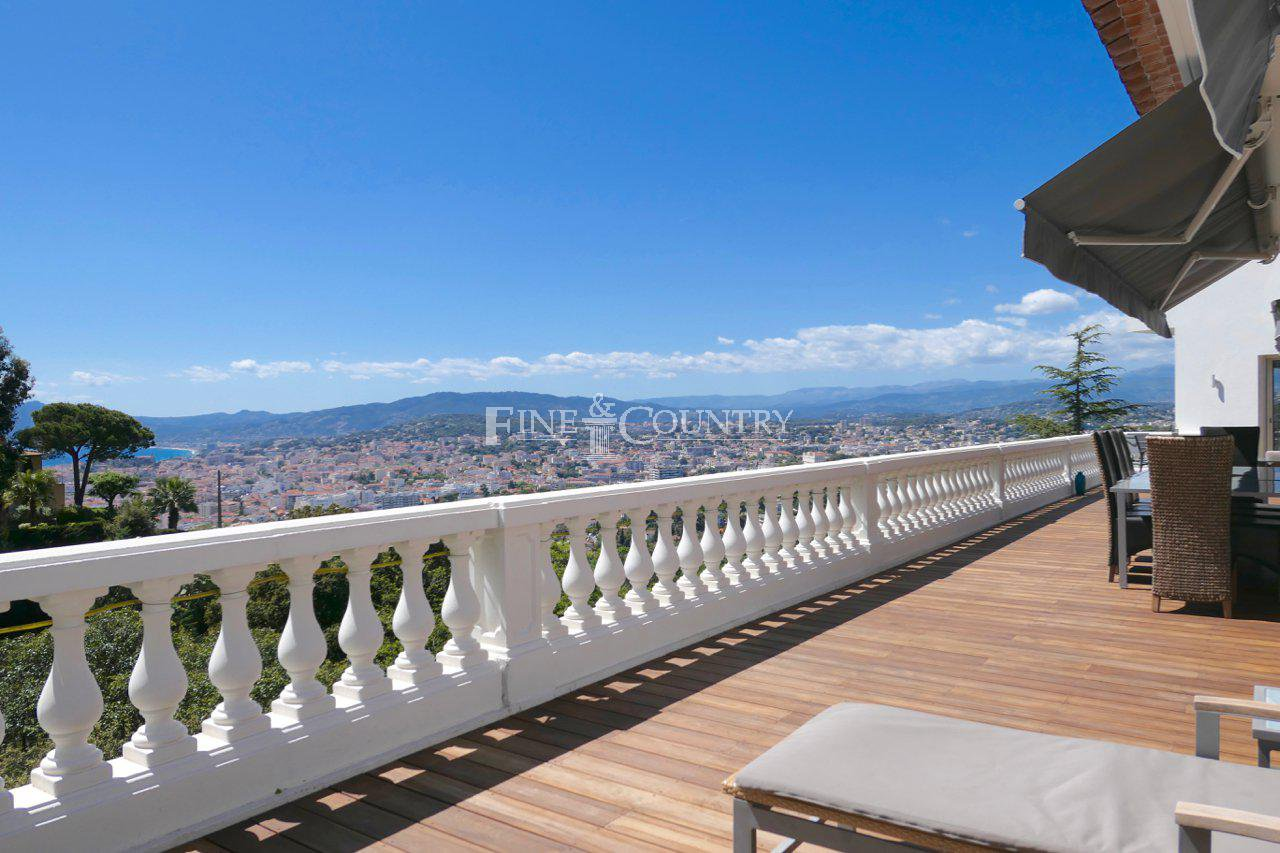 Villa for sale in La Californie, Cannes with sea views