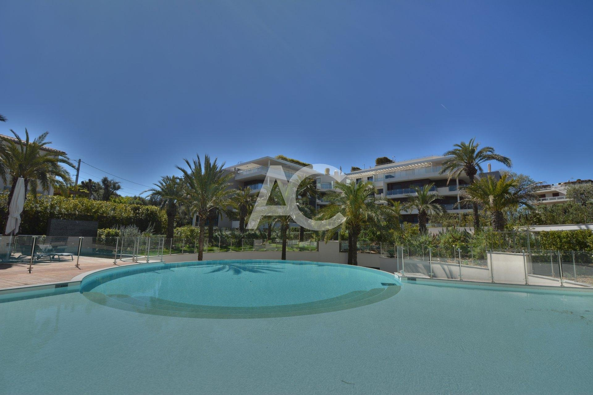 CAP D'ANTIBES - HIGH QUALITY RESIDENCE