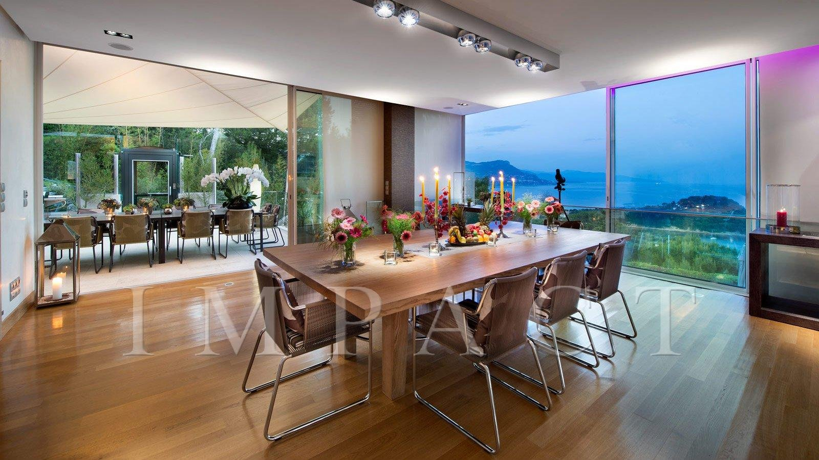 To rent exclusive villa Cap Ferrat with panoramic sea views.