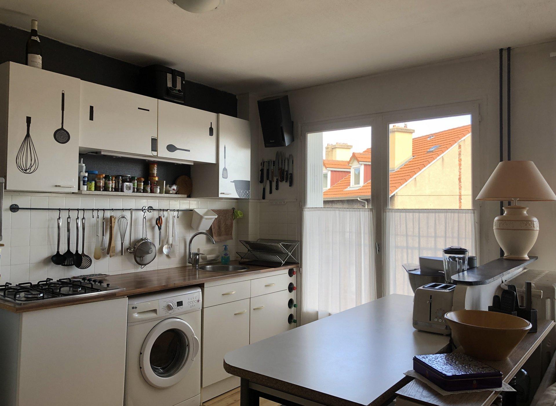 SAINT ETIENNE VILLEBOEUF LE HAUT - T3 lumineux avec balcon et garage