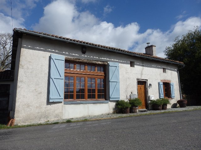 Traditional House, Land and Barn - Haute Vienne